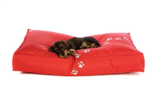 Postelja ( ležišče ) za pse - rdeča