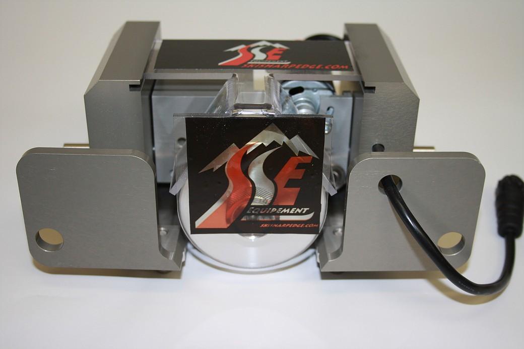 Ski Sharp Edge stroj za stransko brušenje robnikov  + baterije